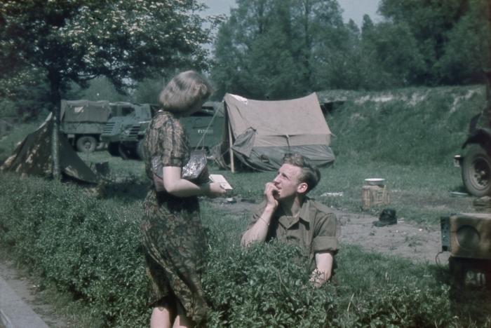 3_Canadees-kampement-Heemraadsingel-1945_Credits-Collectie-Stadsarchief-Rotterdam_fotograaf-R.-Boske